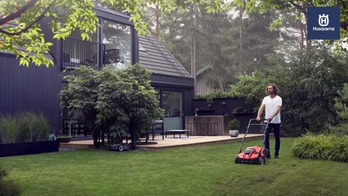 S138i Battery Scarifier – Let Your Lawn Breathe